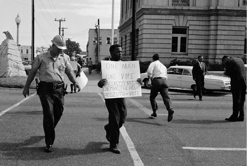 John Lewis picketing in Selma, 1965